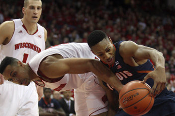 Illinois fall to 2-7 in BIG after falling to Wisconsin