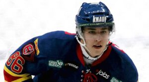 Teuvo Teravainen continues to work on his game in Finland
