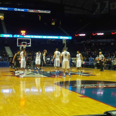 DePaul getting ready to tipoff against Chicago State.