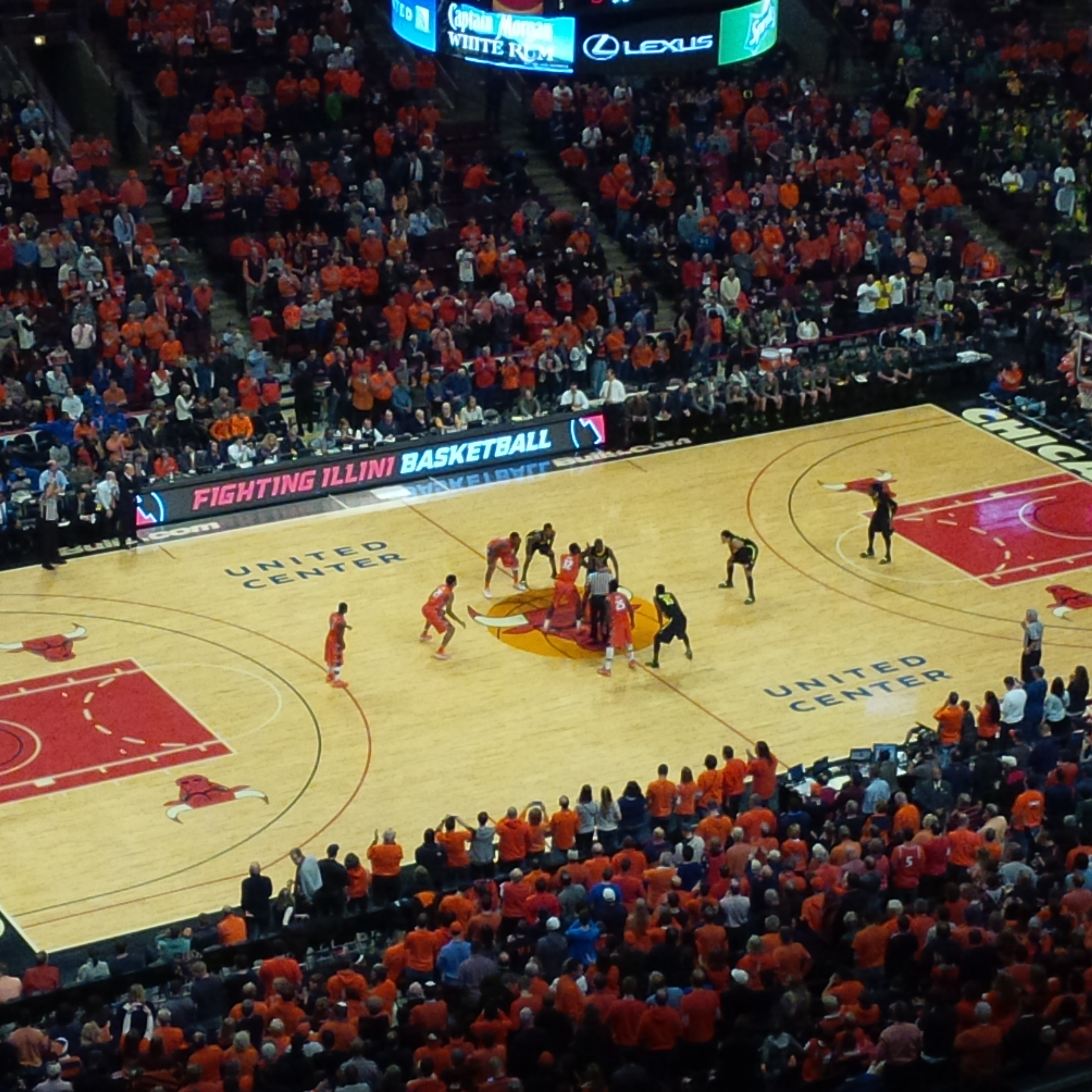 Illinois and Oregon tipping off for Saturday's game.