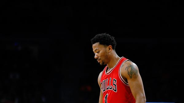 Derrick Rose to have surgery on torn meniscus, out indefinitely