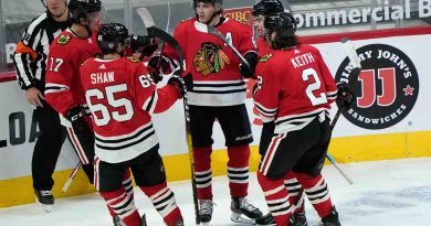Blackhawks Beat Red Wings 4-1 for First Win of the Season